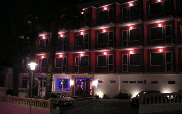 Hotel Teix вид на фасад