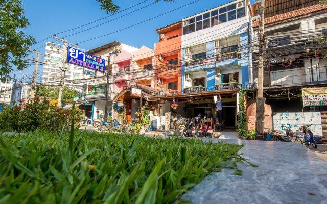 Отель Nong Guest House Таиланд, Паттайя - отзывы, цены и фото номеров - забронировать отель Nong Guest House онлайн вид на фасад