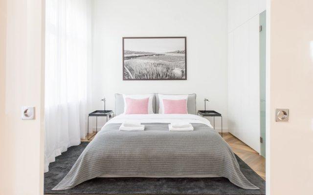 Апартаменты Oasis Apartments - Broadway I комната для гостей