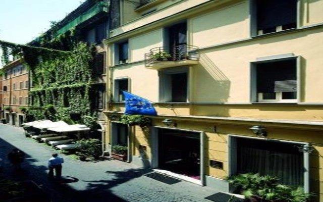 Отель Antico Condotti Hotel Италия, Рим - отзывы, цены и фото номеров - забронировать отель Antico Condotti Hotel онлайн вид на фасад