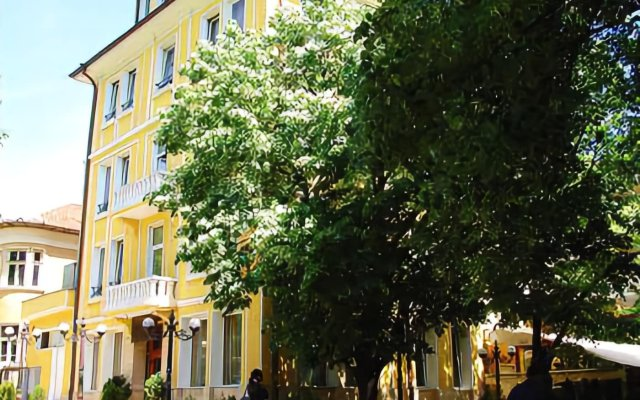 Отель Alegro Hotel Болгария, Велико Тырново - 1 отзыв об отеле, цены и фото номеров - забронировать отель Alegro Hotel онлайн вид на фасад