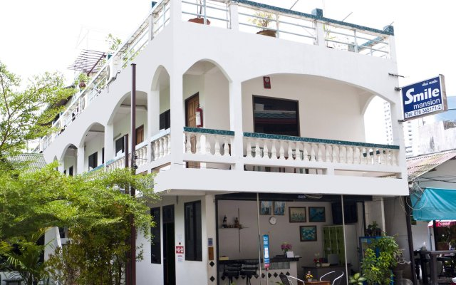 myPatong GuestHouse-Hostel вид на фасад