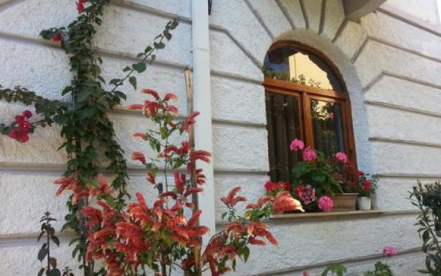 Отель Villa Margarit Албания, Саранда - отзывы, цены и фото номеров - забронировать отель Villa Margarit онлайн вид на фасад