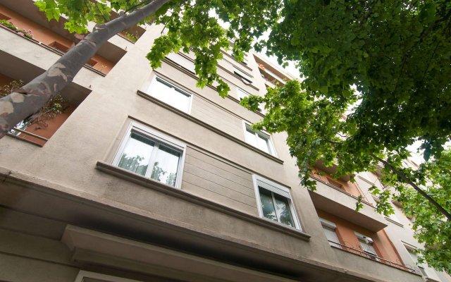 Отель Bbarcelona Gaudi Avenue Flats Барселона вид на фасад
