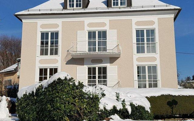 Отель The Little Guesthouse Salzburg Зальцбург вид на фасад