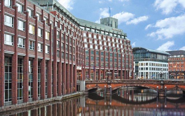 Steigenberger Hotel Hamburg вид на фасад