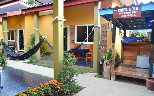 Отель Lanta Baan Nok Resort Ланта вид на фасад