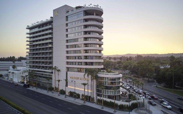 Отель Waldorf Astoria Beverly Hills Беверли Хиллс вид на фасад
