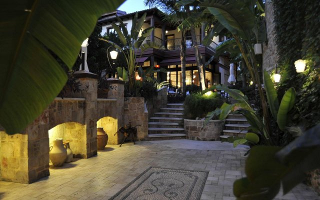 Tuvana Hotel - Special Class Турция, Анталья - 3 отзыва об отеле, цены и фото номеров - забронировать отель Tuvana Hotel - Special Class онлайн вид на фасад