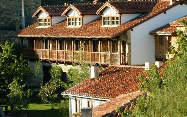 Отель Fuente De Somave вид на фасад