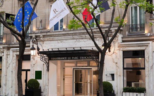 Renaissance Paris Hotel Le Parc Trocadero вид на фасад