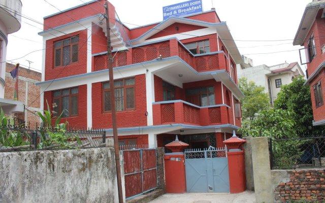 Отель Travellers Dorm Bed & Breakfast Непал, Катманду - отзывы, цены и фото номеров - забронировать отель Travellers Dorm Bed & Breakfast онлайн вид на фасад