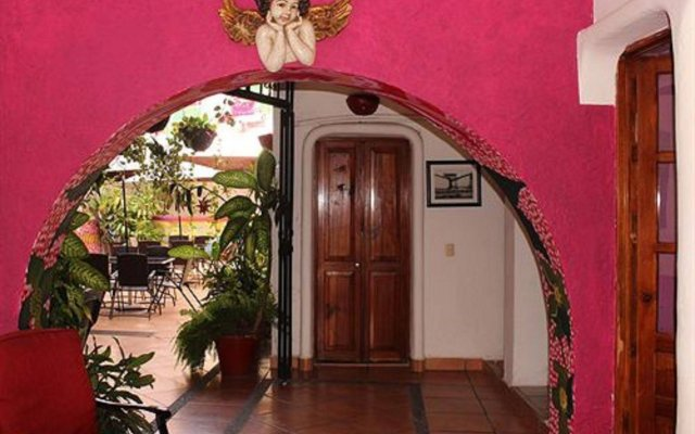 Hotel Boutique Catedral Vallarta вид на фасад