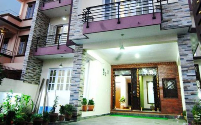 Отель Khushi Homestay Непал, Катманду - отзывы, цены и фото номеров - забронировать отель Khushi Homestay онлайн вид на фасад