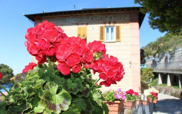 Отель Villa Orchidea Камогли вид на фасад
