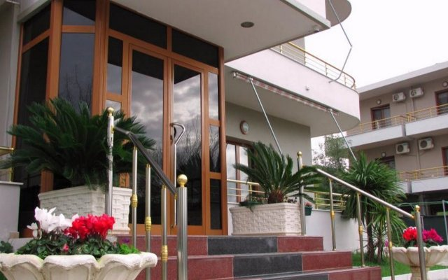 Hotel Denta Vlora вид на фасад