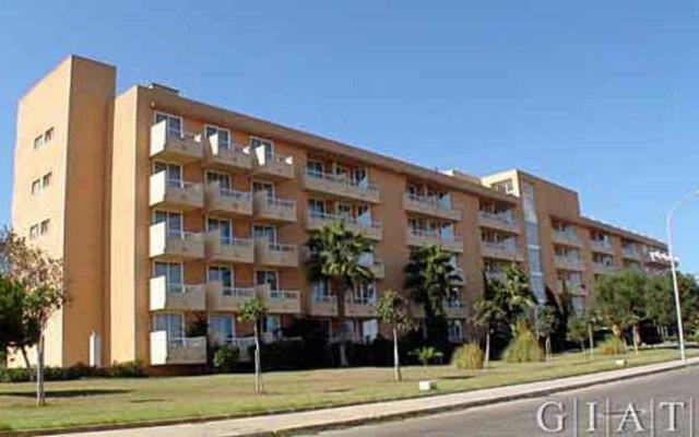 Hotel Garbi Cala Millor вид на фасад