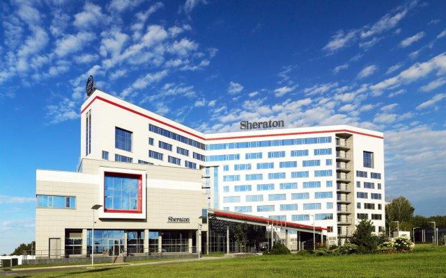Гостиница Шератон Москва Шереметьево Аэропорт вид на фасад
