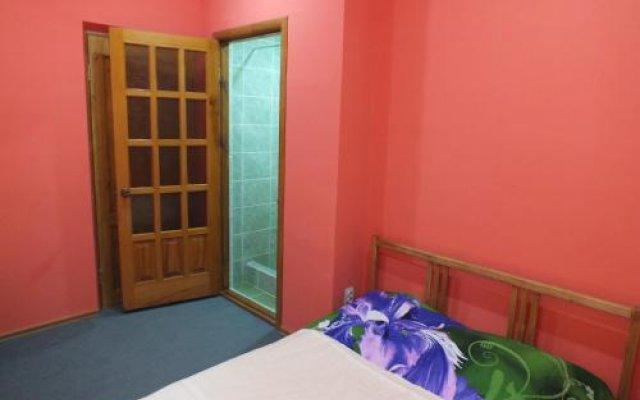 Гостиница Guest House on Solnechnaya 13 в Ольгинке отзывы, цены и фото номеров - забронировать гостиницу Guest House on Solnechnaya 13 онлайн Ольгинка вид на фасад