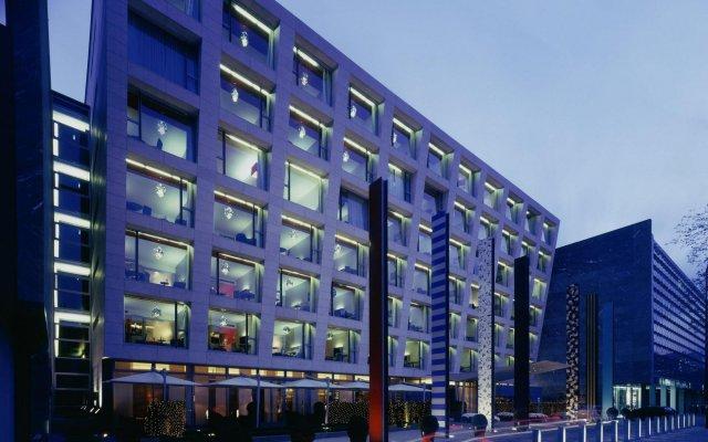 Отель Radisson Blu Media Harbour Дюссельдорф вид на фасад