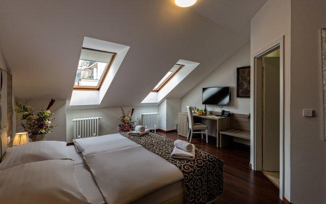 Отель Prague Old Town Residence комната для гостей