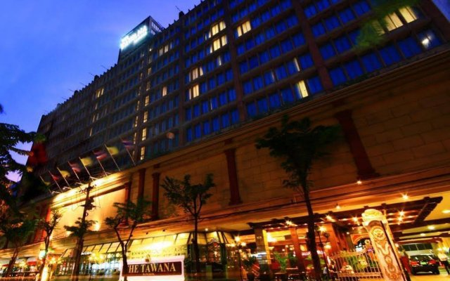 Отель The Tawana Bangkok Таиланд, Бангкок - 1 отзыв об отеле, цены и фото номеров - забронировать отель The Tawana Bangkok онлайн вид на фасад