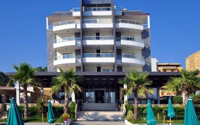 Hotel Vila Lule вид на фасад