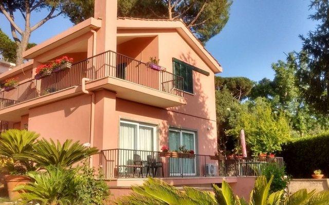 Отель La Casa di Lili Италия, Гроттаферрата - отзывы, цены и фото номеров - забронировать отель La Casa di Lili онлайн вид на фасад