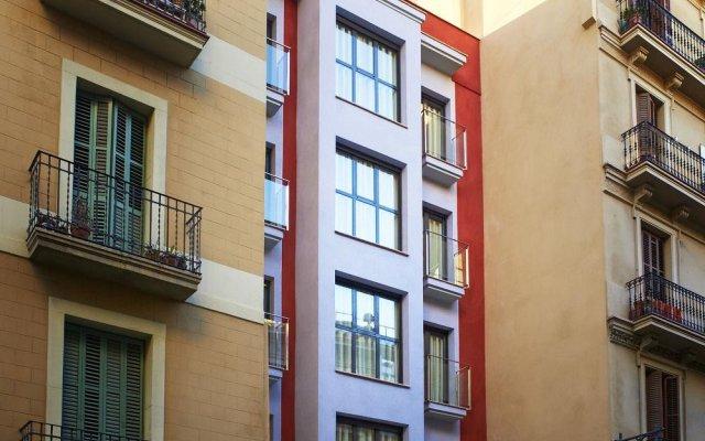 Отель Milà Apartamentos Barcelona вид на фасад