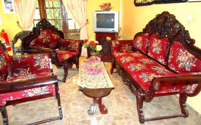 Отель Thirasara Holiday Inn Шри-Ланка, Тиссамахарама - отзывы, цены и фото номеров - забронировать отель Thirasara Holiday Inn онлайн комната для гостей