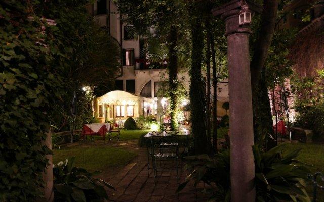 Отель Palazzo Abadessa Италия, Венеция - отзывы, цены и фото номеров - забронировать отель Palazzo Abadessa онлайн вид на фасад