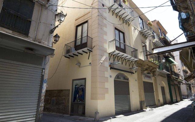 Отель Discesa delle Capre Palermo Италия, Палермо - отзывы, цены и фото номеров - забронировать отель Discesa delle Capre Palermo онлайн вид на фасад