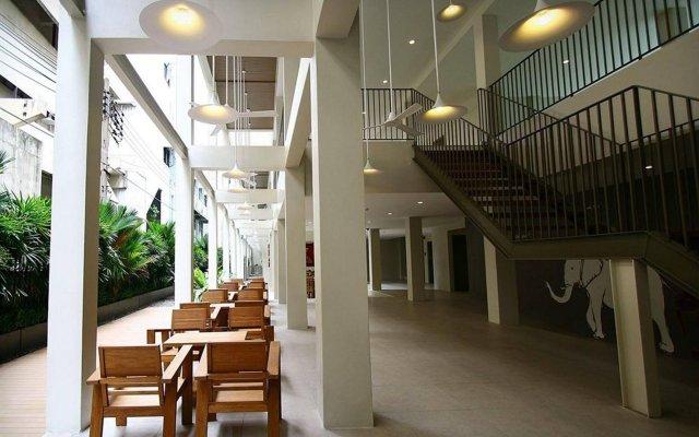 Отель CHERN Hostel Таиланд, Бангкок - 2 отзыва об отеле, цены и фото номеров - забронировать отель CHERN Hostel онлайн вид на фасад