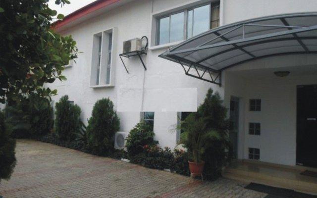 The Ambassador's Hotel вид на фасад