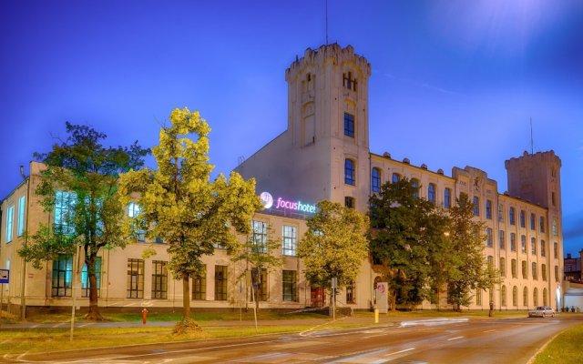 Hotel Focus Lodz вид на фасад