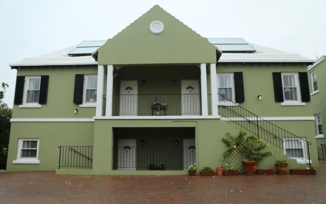 Edgehill Manor Guest House in Pembroke, Bermuda from 349$, photos, reviews - zenhotels.com hotel front