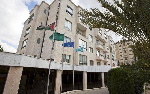 Отель Amman International вид на фасад