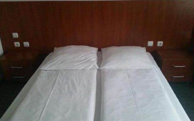 B&D Hotel комната для гостей
