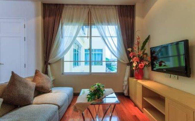 Отель Ekkamai Prestige Бангкок комната для гостей