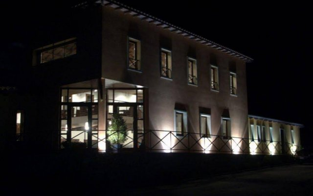 Отель Janas Country Resort Морес вид на фасад