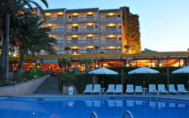 Hotel Na Taconera вид на фасад