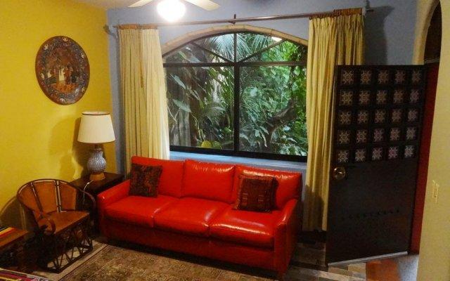 Отель Casa de las Flores Мексика, Тлакуепакуе - отзывы, цены и фото номеров - забронировать отель Casa de las Flores онлайн комната для гостей