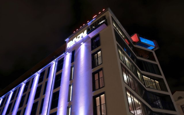 Avalon Hotel вид на фасад