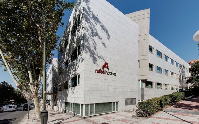 Отель Rafaelhoteles Ventas Испания, Мадрид - отзывы, цены и фото номеров - забронировать отель Rafaelhoteles Ventas онлайн вид на фасад