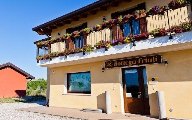 Отель Olistella Палаццоло-делло-Стелла вид на фасад