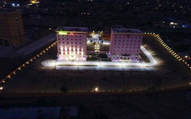 iu Hotel Sumbe вид на фасад