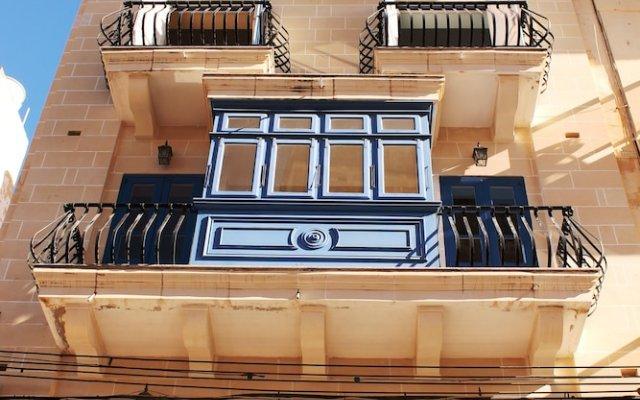 Отель Blue Waters Penthouse Sliema Мальта, Слима - отзывы, цены и фото номеров - забронировать отель Blue Waters Penthouse Sliema онлайн вид на фасад