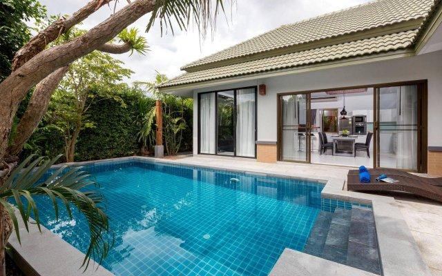 Karon Beach Pool Villas