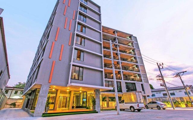 B2 Phuket Hotel Пхукет вид на фасад