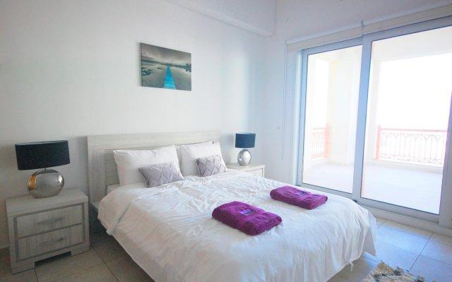 Отель Kennedy Towers - Marina Residences 2 комната для гостей